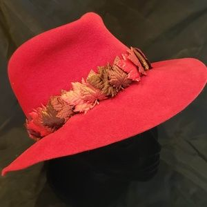 Suzanne Custom Hat in Red with Leaf Band
